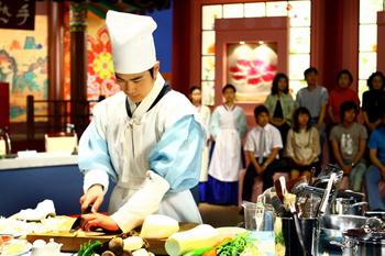 《食客》金来沅变身厨师演绎韩国厨界风云
