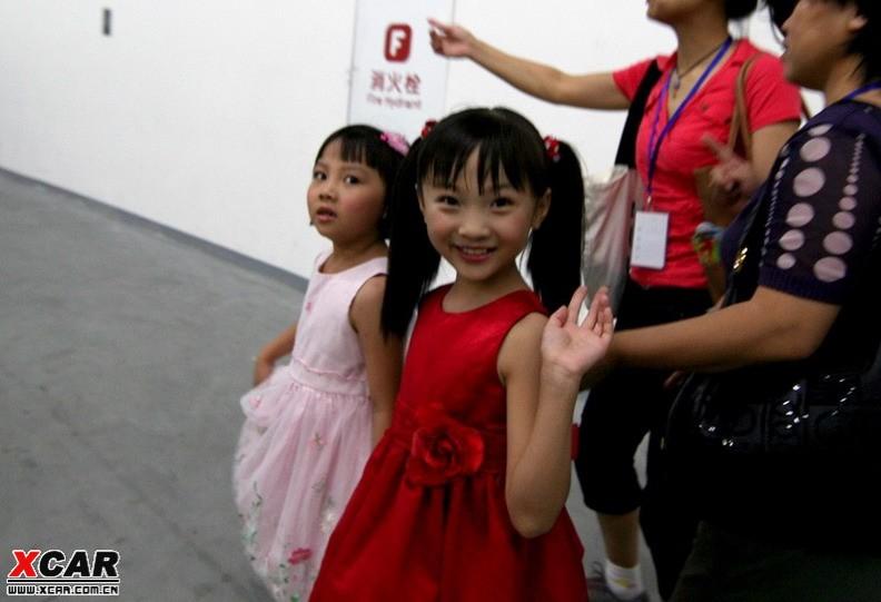 《歌唱祖国》非林妙可所唱七岁杨沛宜幕后献